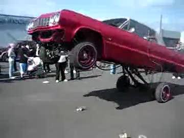 zıp zıp zıplayan araba