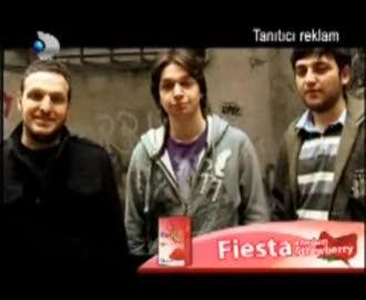 okan bayülgen disko kralı fiesta strawbery