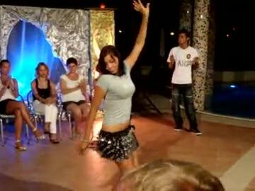 rus kızdan oryantal dans şov