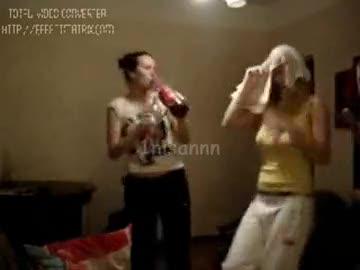 sarhoş kızların komik halleri !