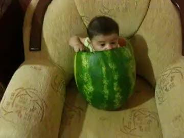 karpuzun içinde bebek