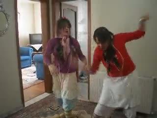 apaçi dansı havuçlu anne ve hamile kamile çok komi