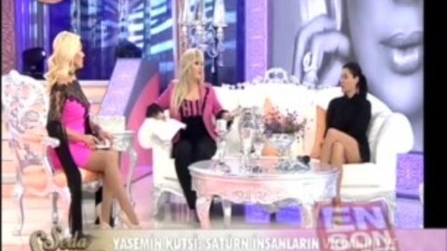 """Tuğba Ekinci""""nin TV8 Canlı yayınındaki frikiği"""
