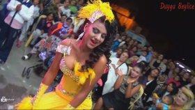 Sarı Kıyafetli Roman Kızın Harika Roman Dansı