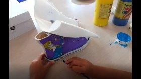 Elif Elsa Ayakkabı boyuyor , Champion Hotel mini club , çocuk videosu