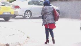 Topuklu Ayakkabı Giyen Tayt Giyen Daracık Elbise Giyen Bide Utanmadan Başörtü Takan Ke - Efirler
