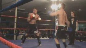 Kick Boks Sporcusunun Kendi Kendini Nakavt Etmesi