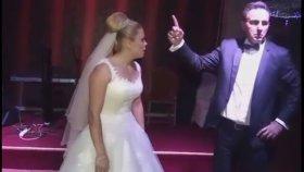 Gelin ve Damadın Düğüne Damga Vuran Koreografisi