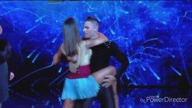 Belen Rodriguez Dans Ederken Elbisenin Azizliğine Uğradı