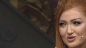 Danla Bilic : Beyaz Show'a Çıkan Kız Makyajı İle Geldim ( Beyaz Show 17 Kasım 2017 )