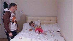 Babasıyla Boks Yapan Küçük Kız