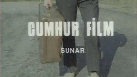 Üç Kağıtçı - Kemal Sunal ( 1981 - 89 dakika )