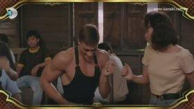 Van Damme'ın Türk Nameli Dansı ( Beyaz SHow )