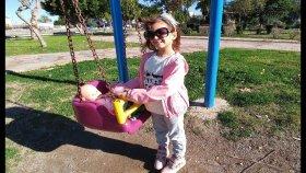 Elif Yeni Bebek Arabası İle Parkta Lala Bebek İle Geziyor