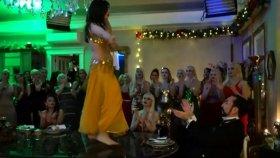 Yılbaşını Dansöz ve 31 Kedicikle Kutlayan Adnan Oktar