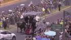 Papa Françesko'yu Koruyan Kadın Polis Attan Düştü