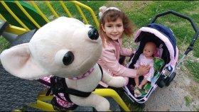 Lala Bebek Chi Chi Love ve Elif Yeni Bebek Arabası İle Parkta