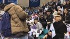 Sahte Kim Jong Un'un Kuzey Koreli PonPon Kızları Trollemesi