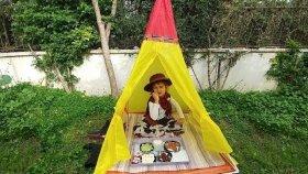 KOVBOY ELİF BAHÇEDE PİKNİK YAPIYOR.Eğlenceli çocuk videosu , oyun evi çadır