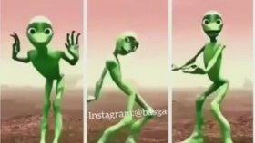Yeşil Uzaylı Dansının Normal - Hızlı - Çok Hızlı Versiyonu