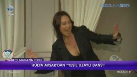 Hülya Avşar'dan Yeşil Uzaylı Dansı