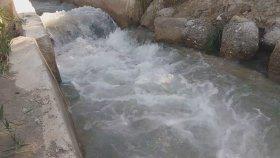 Rahatlatıcı ferahlatıcı bir video su sesleri videoları ırmak şelale su sesleri videoları