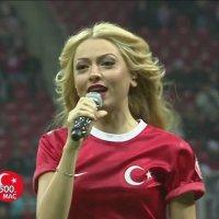 Hadiseden Milli Maç Öncesi Moral Şarkısı