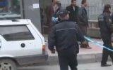 Şüpheli çantayı almak isteyen akıl hastası polise zor anlar yaşattı