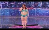 Yetenek Yarışmasındaki Şişko Striptizci