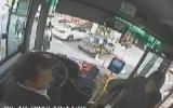 Yol Kesip Halk Otobüsü Şoförünü Dövdü