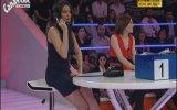 Asuman Krause , Zeynep Olgun Var mısın Yok musun Frikik Video ( 06 : 10 ) FRİKİK WORLD