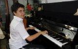 Bilgisayar OYUNLARI MÜZİĞİ Piyano MARİO OYUNLARI Televizyon Çocuk Klavye Oyna Süper Maryo Piyanist