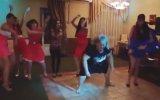 Dans Ederken Kendinden Geçen Abla