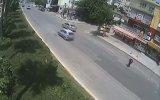 """Adana""""daki İlginç Kazalar Mobese Kameralarında"""
