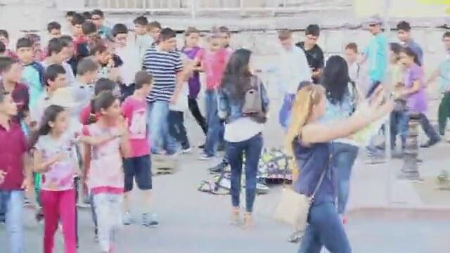 Türkiyede Sokakta Uyuma Şakası Yapmak