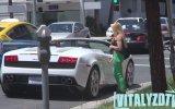 """Lamborghini""""nin Kızlar Üzerindeki İnanılmaz Etkisi"""