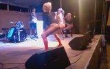 Çocuklara Striptiz Dansı İzletmek (Skandal İçerir)