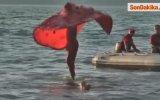 Kuraklık Tehlikesine Dikkat Çekmek İçin Gölün Üzerinde Dans Etti -