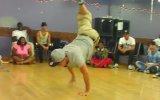 Tek Bacaklı Break Dance Dansçısı