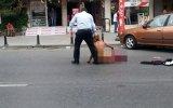 Polis'i Duyunca Çırılçıplak Soyundu (Türkiye)