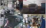 Çocuklu Kadına Yer Veren Otobüs Şoförü