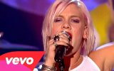 Pink - Let's Get The Party Started (Canlı Performans)