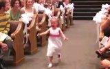 Düğünleri Eğlenceli Hale Getiren 17 Çocuk