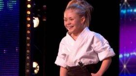 Jürinin Ağzını Açık Bırakan 9 Yaşındaki Karateci Kız