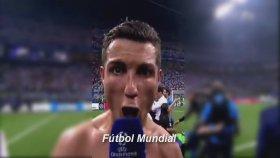 Cristiano Ronaldo'nun Şampiyonlar Ligi Kupa Sonrası Böğürmesi