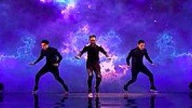Moğol Yetenek Yarışmasında Harika Koreografi