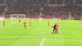 Galatasaray - Gaziantepspor | Tribün Özel Tim'i Alkışlıyor ( 11 Aralık 2016 )