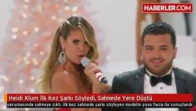 Heidi Klum İlk Kez Şarkı Söyledi Sahnede Yere Düştü