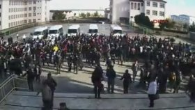 Antalya'da Öğrencilerin Öğretmeni Dövmesi
