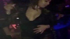 Yenge Winonah De Jong'dan Çılgın Dans !